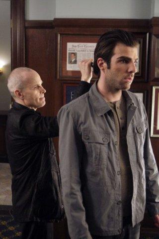 Zachary Quinto e Zeljko Ivanek in una scena di I Am Sylar della terza stagione di Heroes
