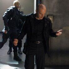 Zeljko Ivanek in una scena di An Invisible Thread della terza stagione di Heroes