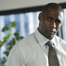 Idris Elba interpreta Derek nel film Obsessed