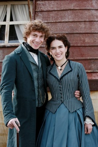 Giorgio Pasotti e Maya Sansa in una scena della fiction David Copperfield