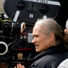 La regista Jane Campion sul set di Bright Star, presentato in concorso a Cannes 2009