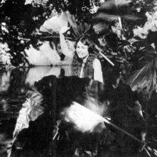 Una scena del film Tabù di Murnau (1931)
