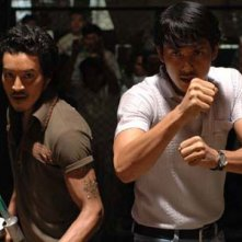 Akara Amarttayakul e Thawatchai Phanpakdee sono i protagonisti di Muay Thai Chaiya
