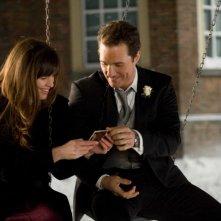 Jennifer Garner e Matthew McConaughey in una scena del film La rivolta delle ex