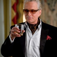 Michael Douglas è lo zio Wayne nel film La rivolta delle ex