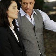 Robin Tunney e Simon Baker in una scena dell'episodio Seeing Red di The Mentalist
