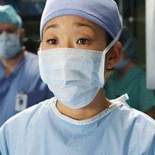 Sandra Oh in una scena dell'episodio Stand by Me di Grey's Anatomy