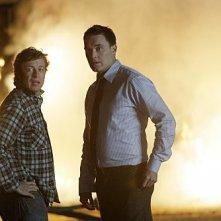 Simon Baker ed Owain Yeoman nell'episodio Red John's Friends di The Mentalist