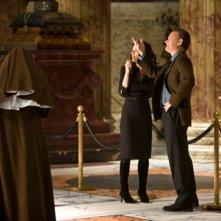 Angeli e Demoni: Robert Langdon (Tom Hanks) e Vittoria Vetra (Ayelet Zurer) in Basilica