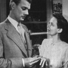 Joseph Cotten e Teresa Wright ne L'ombra del dubbio