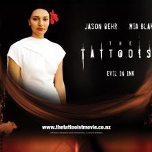 Mia Blake in un wallpaper di 'The Tattooist'