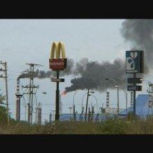 Una inquietante immagine del documentario La minaccia (2008)