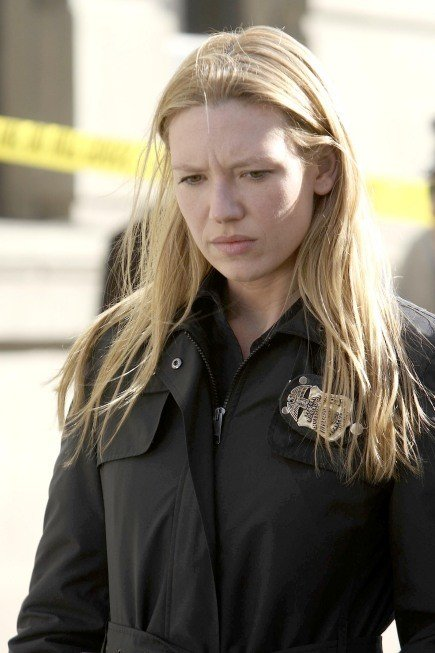 Anna Torv In Una Scena Dell Episodio The Road Not Taken Di Fringe 114865