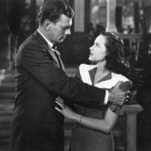Joseph Cotten e Teresa Wright nel film L'ombra del dubbio (1943)