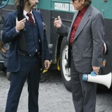 Michael Imperioli con Harvey Keitel durante un momento dell'episodio 'Tuesday's Dead' della serie tv Life on Mars