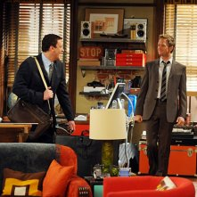Neil Patrick Harris e Jason Segel nell'episodio Old King Clancy di How I Met Your Mother