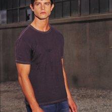 Jason Behr in una foto per la 2 serie di Roswell