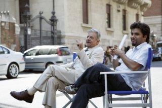 Giancarlo Giannini e il regista Eros Puglielli sul set del tv movie So che ritornerai