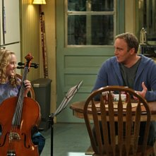 Jay Mohr e Kathryn Newton in una scena dell'episodio Gary Uses His Veto di Gary Unmarried