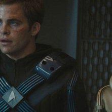 Chris Pine e John Cho in una scena del film Star Trek