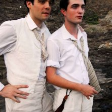 Javier Beltrán e Robert Pattinson in una scena del film Little Ashes