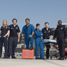 Una foto promozionale del cast della serie Trauma