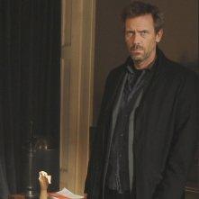 Hugh Laurie in una scena di Under My Skin da Dr. House: Medical Division