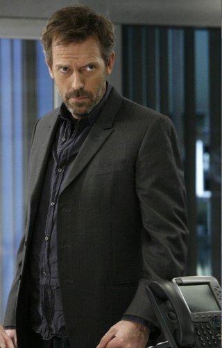 Hugh Laurie in una scena di Under My Skin di Dr. House: Medical Division