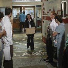 La gang del pronto soccorso dice addio a Maura Tierney nell'episodio 'The Book of Abby' della serie tv ER - Medici in prima linea