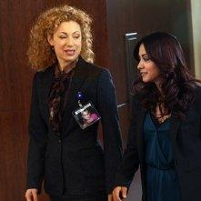 Parminder Nagra insieme a Alex Kingston nell'episodio 'Dream Runner' dell'ultima stagione di ER - Medici in prima linea