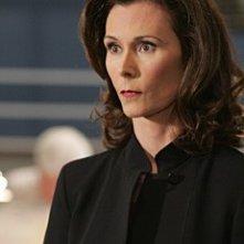 Kate Jackson in una scena dell'episodio 'Il codice dei ladri' della serie televisiva Criminal Minds
