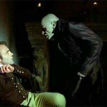Klaus Kinski e Bruno Ganz in una scena di Nosferatu, principe della notte