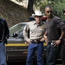 Shemar Moore, Mandy Patinkin, Matthew Gray Gubler e Robert Knott nell'episodio ' L'uomo Nero ' della serie Criminal Minds