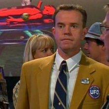 Steve Hytner è Milton Ross nell'episodio 'Il bivio' di Roswell