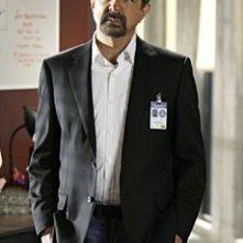 Joe Mantegna nell'episodio 'Bassa intensità', finale della terza stagione di Criminal Minds