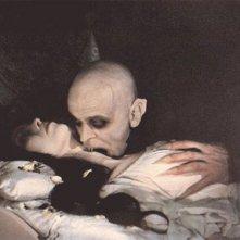 Klaus Kinski morde Isabelle Adjani in Nosferatu, principe della notte