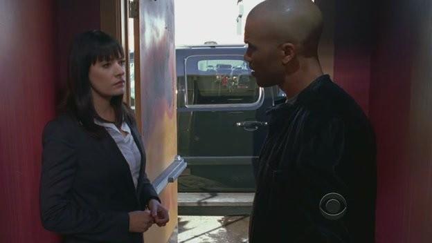 Shemar Moore E Paget Brewster Nell Episodio House On Fire Della Quarta Stagione Di Criminal Minds 116123