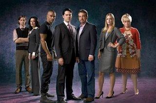 Un'immagine promozionale del cast per la terza stagione di Criminal Minds