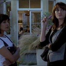 Una scena della serie tv Amanti