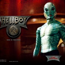 Wallpaper di Doug Jones che interpreta Abraham Sapien nel film 'Hellboy'
