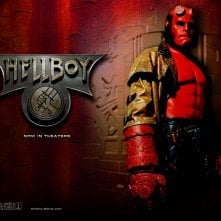 Wallpaper di Ron Perlman che interpreta Hellboy nel film 'Hellboy'