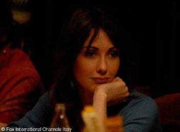 Anita Caprioli in una scena di Non pensarci - La serie