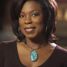 Lorraine Toussaint in una foto promozionale della seconda stagione di Saving Grace