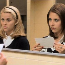 Reese Witherspoon e Sarah Michelle Gellar in una scena del film 'Cruel Intentions'