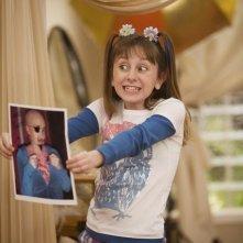 Allisyn Ashley Arm in una scena dell'episodio Poll'd Apart di Sonny tra le stelle