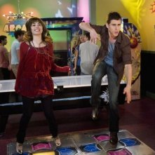 Demi Lovato e Kelly Blatz in una scena dell'episodio Sonny With a Chance of Dating di Sonny tra le stelle