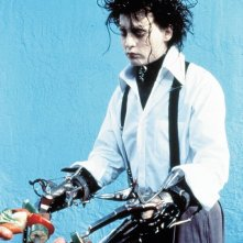 Johnny Depp è Edward nel film 'Edward mani di forbice'