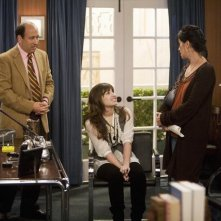 Michael Kostroff, Nancy McKeon e Demi Lovato in una scena dell'episodio Cheater Girls di Sonny tra le stelle