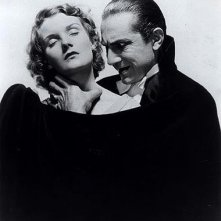 Bela Lugosi e Helen Chandler in un promo di Dracula