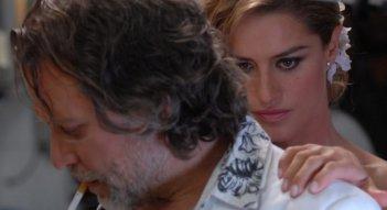 Giovanni Capalbo e Lola Ponce in un'immagine del film Polvere
